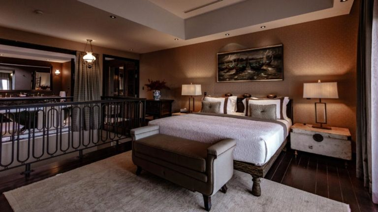 wood-suite-4